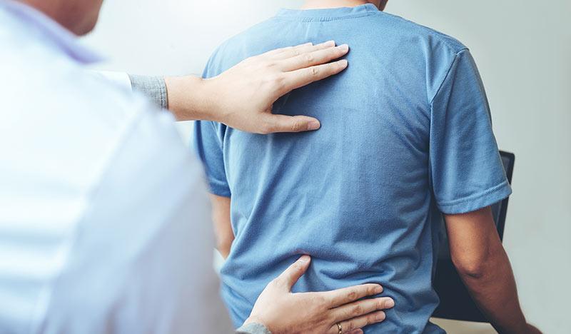 ¿Quiropráctico para el dolor de espalda?